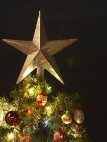 Cómo hacer originales estrellas de Navidad para tu árbol