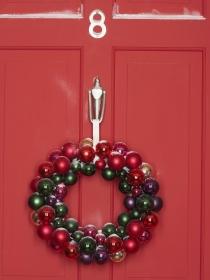 Cómo crear sencillas coronas y guirnaldas de Navidad