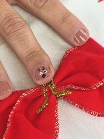 Cómo hacer un divertido diseño de uñas de reno para Navidad