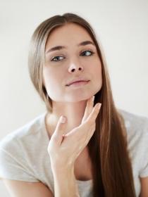 Los dañinos efectos del azúcar y el alcohol sobre nuestra piel
