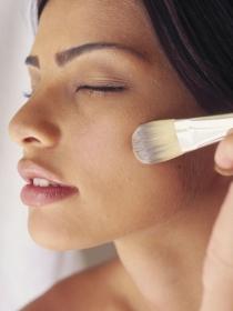 La mejor técnica para aplicarse la base de maquillaje