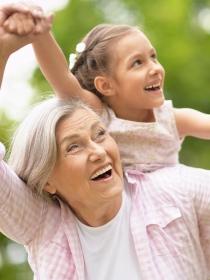 El imprescindible papel de los abuelos en la familia