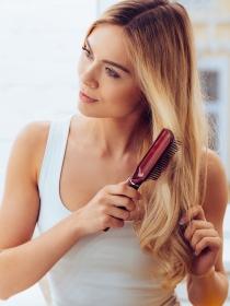 Soñar con un cepillo para el pelo: renueva tus fuerzas