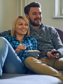 Las parejas que ven series juntos son más felices