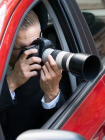 Soñar que contratas un detective privado: descubriendo secretos