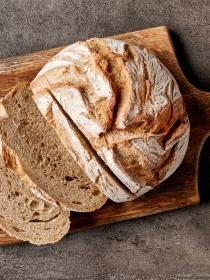 La miga o la corteza de pan: ¿qué engorda más?