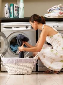 Soñar con poner la lavadora: buscando el orden en tu vida