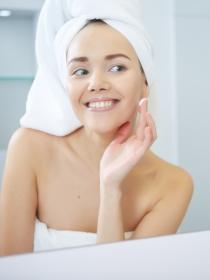 Rutina facial de día y de noche: ¡Cuida tu piel siempre!