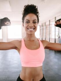 Ejercicios para fortalecer los brazos flácidos sin salir de casa