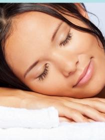 Esto es lo que ocurre si duermes con el pelo mojado