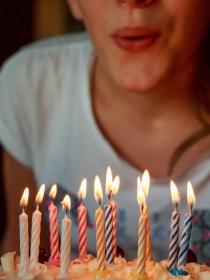 Felicitaciones de cumpleaños para enviar a Tauro en su día