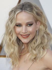 El maquillaje de Jennifer Lawrence en los Oscars 2018