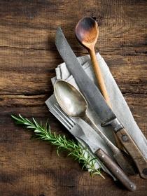 El significado de soñar con cucharas, cuchillos y tenedores