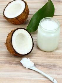 Aceite de coco para combatir la celulitis y otros usos secretos