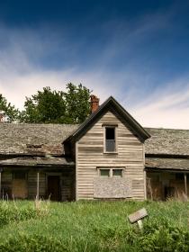 Soñar con una casa abandonada: encuentra tu hogar