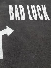 Supersticiones que hablan de la vida, la muerte y la mala suerte