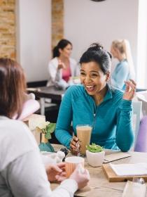 Cómo sacar temas de conversación para hacer amigos: ¡Trucos infalibles!