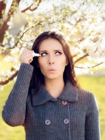 Conjuntivitis alérgica en primavera: 8 útiles consejos para prevenirla