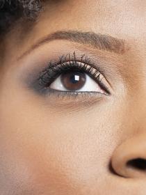 Cejas tatuadas en casa: ¡aprende a maquillarlas!