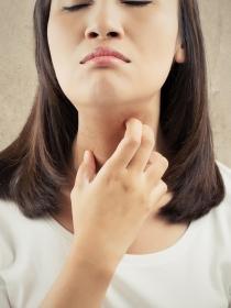 ¿Es malo usar cremas y maquillajes caducados? ¡Ayuda!