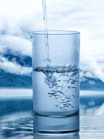 Soñar con un vaso medio vacío: un cambio de perspectiva