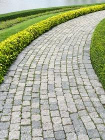 Soñar con un camino de piedras: vigila tus pasos
