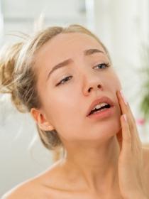Fobia a los granos y problemas de la piel: qué es la dermatofobia