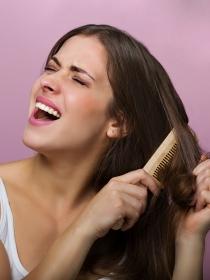 8 tips para desenredar el pelo rápido sin que se rompa