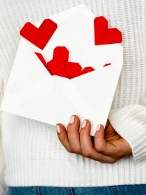 El significado de soñar que recibes una carta de amor