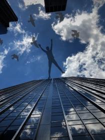 El significado de soñar que te caes de un edificio