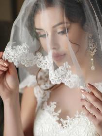 Velos de novia según el vestido de boda y el peinado