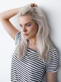 ¿Es bueno cambiar la raya del pelo de vez en cuando?