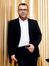 Jorge Javier Vázquez, desnudo en portada de la revista Primera Línea