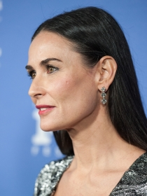 Demi Moore y Ashton Kutcher contra la esclavitud sexual en su campaña 'Real Men'