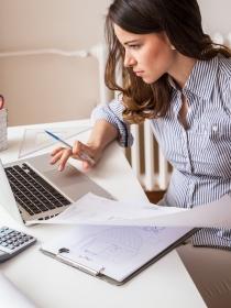 ¿Cansada de trabajar hasta en sueños? Su significado
