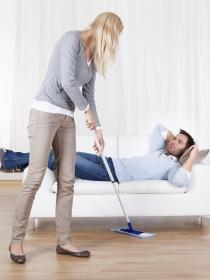 El reparto de las tareas domésticas, clave para la convivencia en pareja