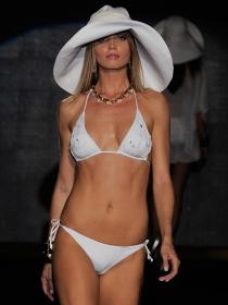 Qué bikinis se llevan este verano