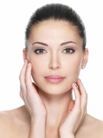 Ejercicios faciales para un rostro más joven: ¿quién dijo arrugas?