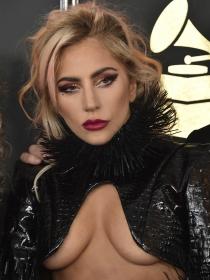 Lady Gaga, en ropa interior: de la anorexia y la bulimia al sobrepeso