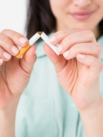 Dejar de fumar te da diez años más de vida