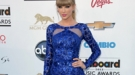 Look de Taylor Swift: renovarse o morir