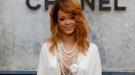 Rihanna prefiere los dientes de oro a pagar el funeral de su abuela