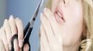 Cómo cortarte las puntas del pelo, tú misma y en casa