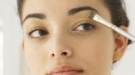 Cómo aplicar un iluminador facial: dale luz a tu cara