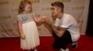 Justin Bieber, chico malo por la noche y niño bueno por el día