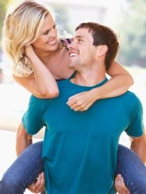 La importancia de reírte con tu pareja