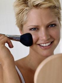 Cómo proteger tu cara del maquillaje para no dañar la piel