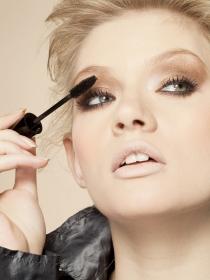 Cómo maquillarse los ojos, paso a paso