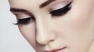 Cómo hacerse la raya del ojo: el arte del eyeliner