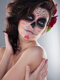 Cuidado facial ante el maquillaje de Halloween: protege tu cara